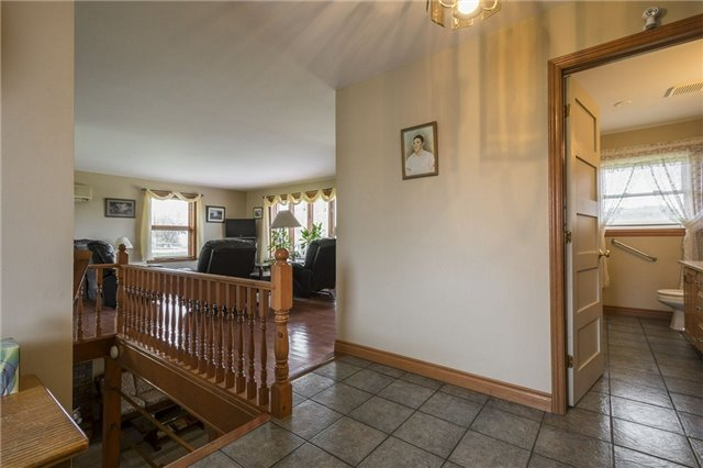 Detached at 1208 County Rd 12 Rd, Prince Edward County, Ontario. Image 16