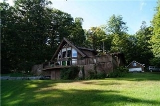 Cottage at 652 County Road 35, Prince Edward County, Ontario. Image 12