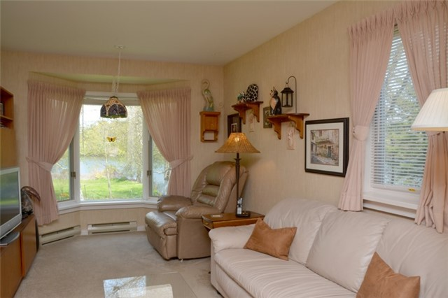 Detached at 3019 County Rd 10 N, Prince Edward County, Ontario. Image 10