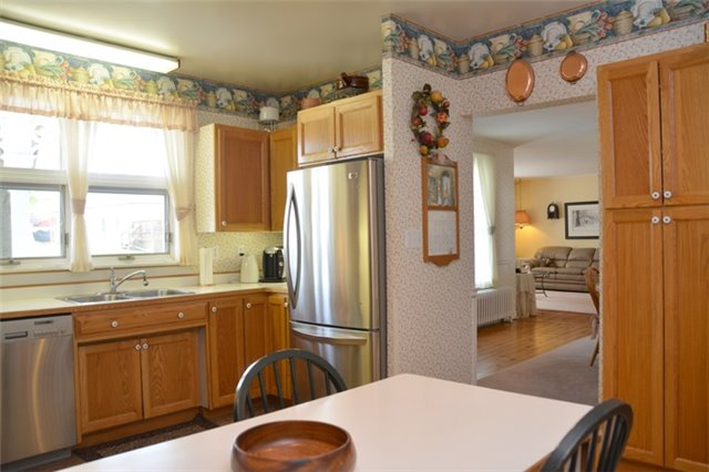 Detached at 3019 County Rd 10 N, Prince Edward County, Ontario. Image 12