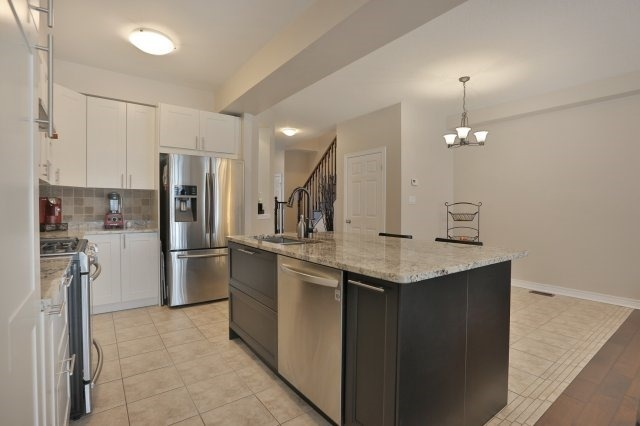 Townhouse at 5 Springview Dr, Hamilton, Ontario. Image 20