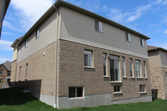 Detached at 731  Sundew Dr, Waterloo, Ontario. Image 13