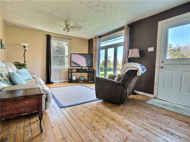 Detached at 4226 Indian Creek Rd, Clarence-Rockland, Ontario. Image 12