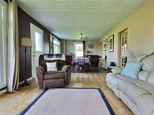 Detached at 4226 Indian Creek Rd, Clarence-Rockland, Ontario. Image 17