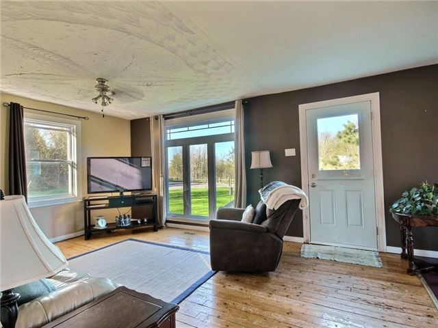 Detached at 4226 Indian Creek Rd, Clarence-Rockland, Ontario. Image 18