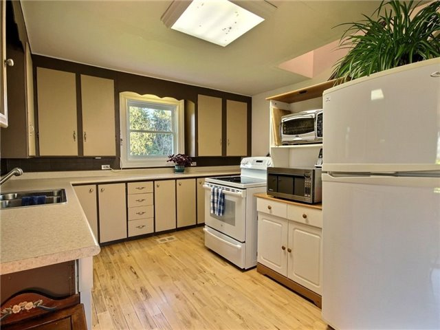 Detached at 4226 Indian Creek Rd, Clarence-Rockland, Ontario. Image 4
