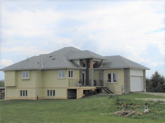 Detached at 383384 20 Sdrd E, Amaranth, Ontario. Image 1