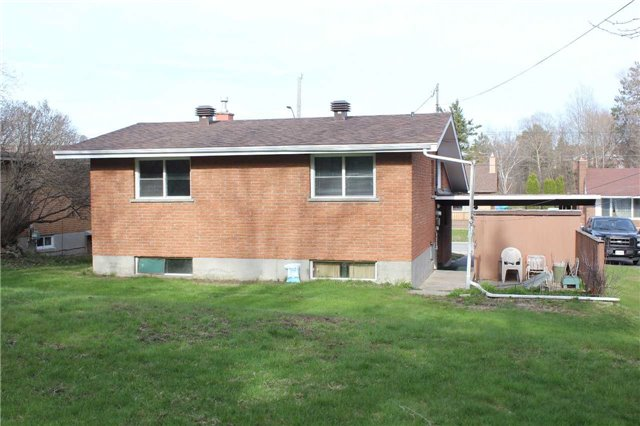 Detached at 627 Laurentian Ave, Out of Area, Ontario. Image 4