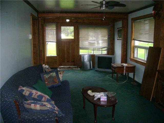 Rural Residence at 8538 Highway 522, Muskoka Lakes, Ontario. Image 5