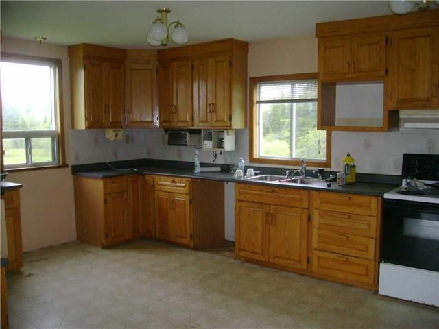 Rural Residence at 8538 Highway 522, Muskoka Lakes, Ontario. Image 7
