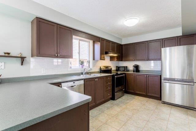 Detached at 582 Little Dover Cres, Kitchener, Ontario. Image 17