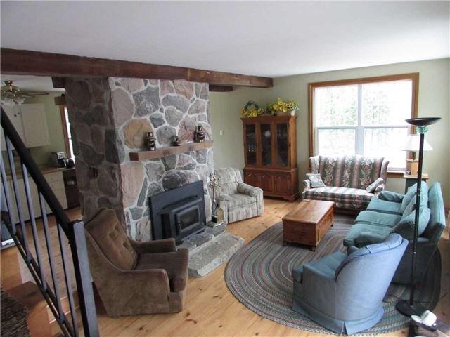 Cottage at 87 Woodworth Dr, Kawartha Lakes, Ontario. Image 7