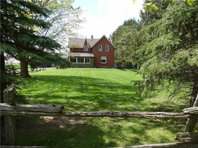 Detached at 598702 2nd Line W, Mulmur, Ontario. Image 1