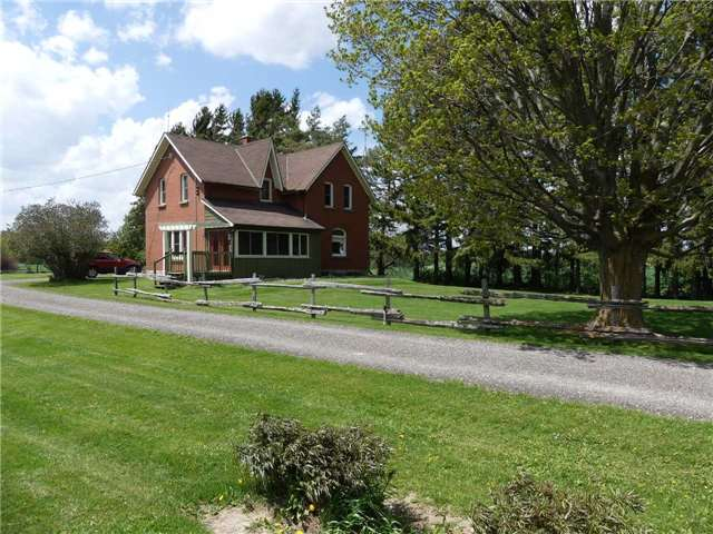 Detached at 598702 2nd Line W, Mulmur, Ontario. Image 12