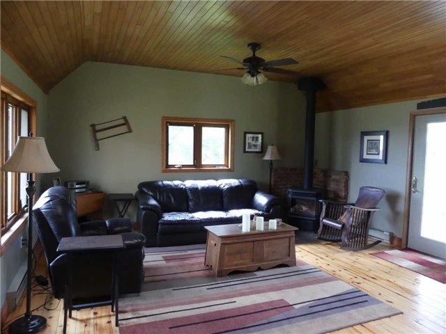 Detached at 598702 2nd Line W, Mulmur, Ontario. Image 20