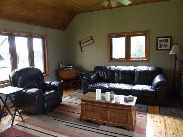 Detached at 598702 2nd Line W, Mulmur, Ontario. Image 3