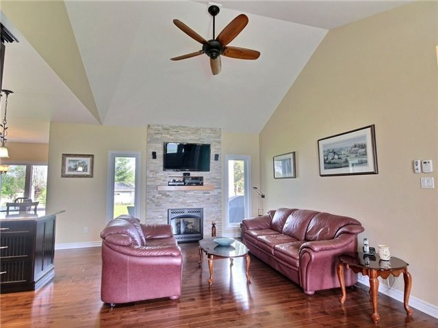 Detached at 5 Conner Cres, South Stormont, Ontario. Image 17