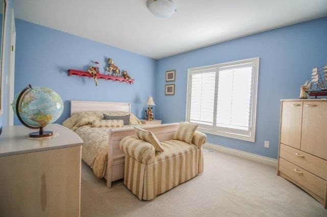 Detached at 14 Countryside Dr, St. Catharines, Ontario. Image 6