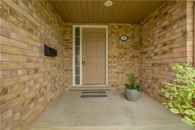 Condo Townhouse at 31 Schroder Cres, Unit 18, Guelph, Ontario. Image 1