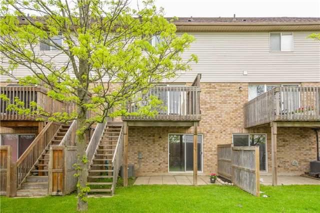 Condo Townhouse at 31 Schroder Cres, Unit 18, Guelph, Ontario. Image 9