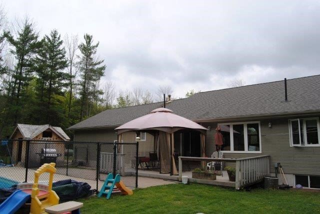 Detached at 418543 Concession A, Meaford, Ontario. Image 11