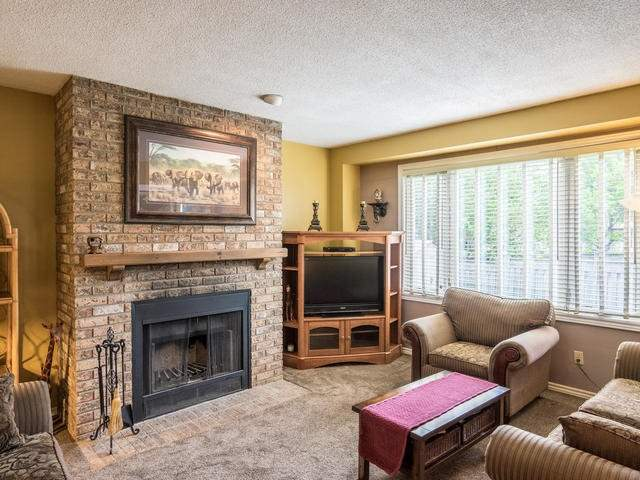 Detached at 45 Mistywood Dr, Hamilton, Ontario. Image 17