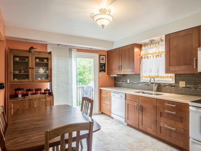 Detached at 45 Mistywood Dr, Hamilton, Ontario. Image 19