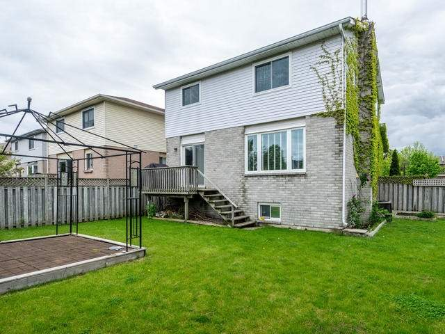 Detached at 45 Mistywood Dr, Hamilton, Ontario. Image 13