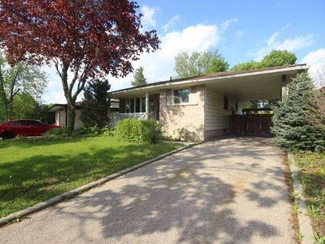 Detached at 610 Highpoint Ave, Waterloo, Ontario. Image 1