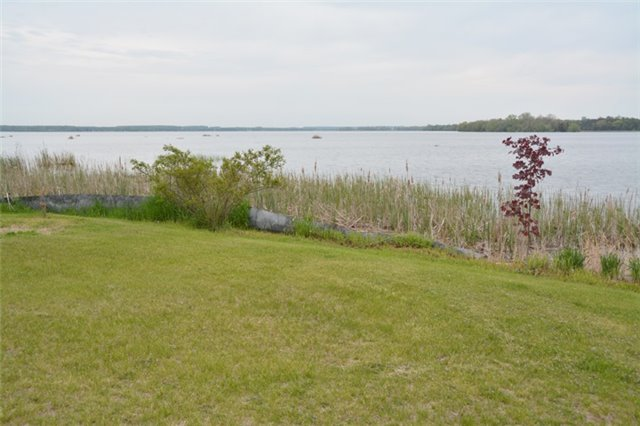 Detached at 1462 County Rd 18, Prince Edward County, Ontario. Image 10