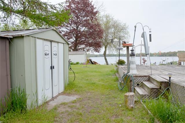 Detached at 1462 County Rd 18, Prince Edward County, Ontario. Image 13