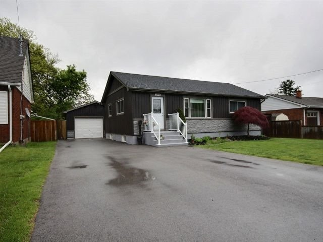 Detached at 3264 Sinnicks Ave, Niagara Falls, Ontario. Image 1