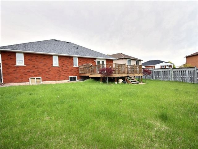 Detached at 64 Olivetree Rd, Brant, Ontario. Image 13
