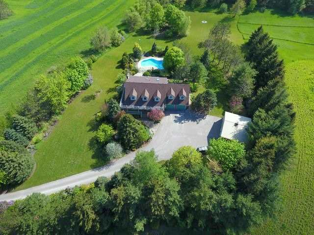 Detached at 5992 Eighth Line, Erin, Ontario. Image 12