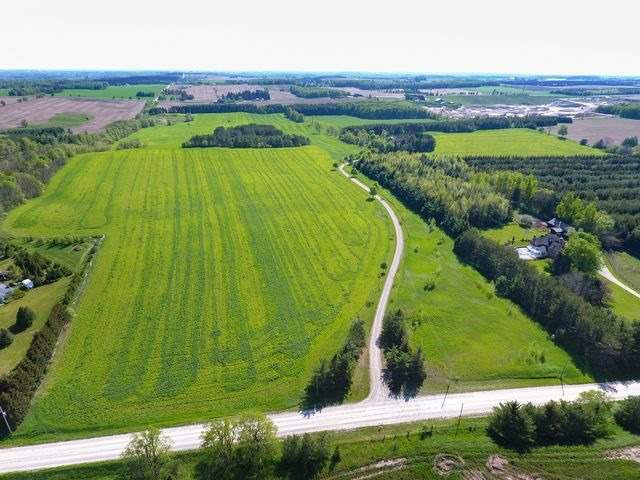 Detached at 5992 Eighth Line, Erin, Ontario. Image 17