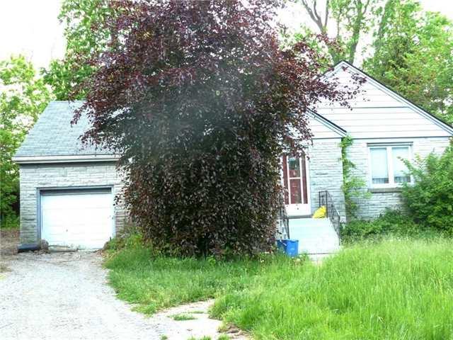 Detached at 24 Glenwood Cres, Hamilton, Ontario. Image 1