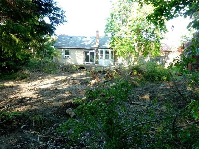 Detached at 24 Glenwood Cres, Hamilton, Ontario. Image 13