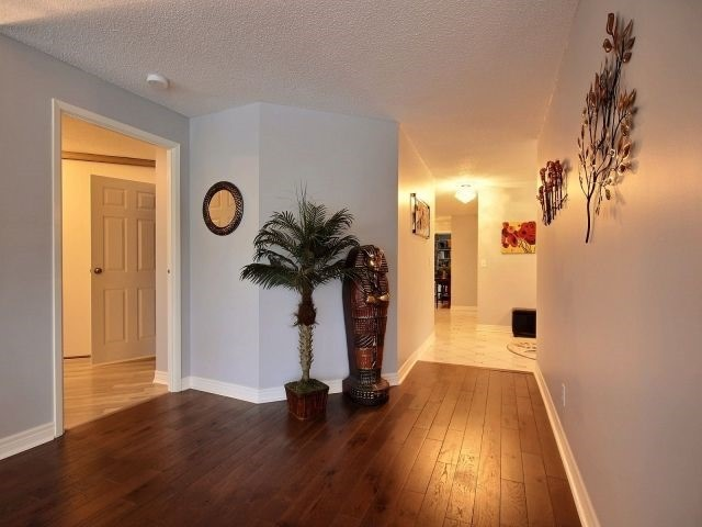 Condo Apartment at 24 Marilyn Dr, Unit 501, Guelph, Ontario. Image 13