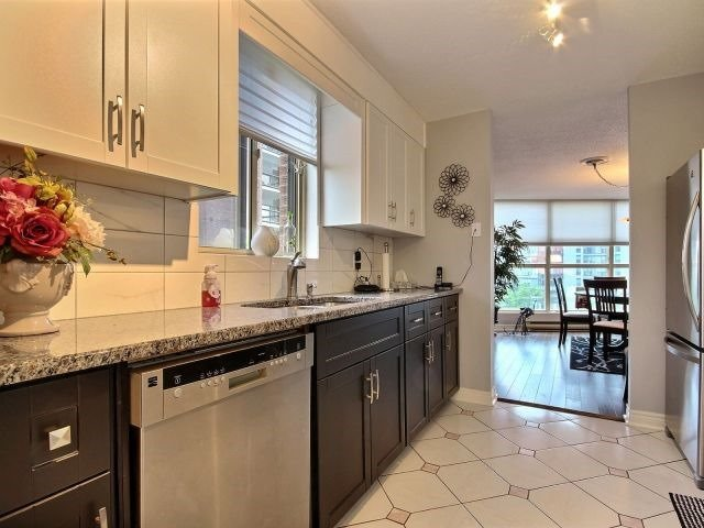 Condo Apartment at 24 Marilyn Dr, Unit 501, Guelph, Ontario. Image 3