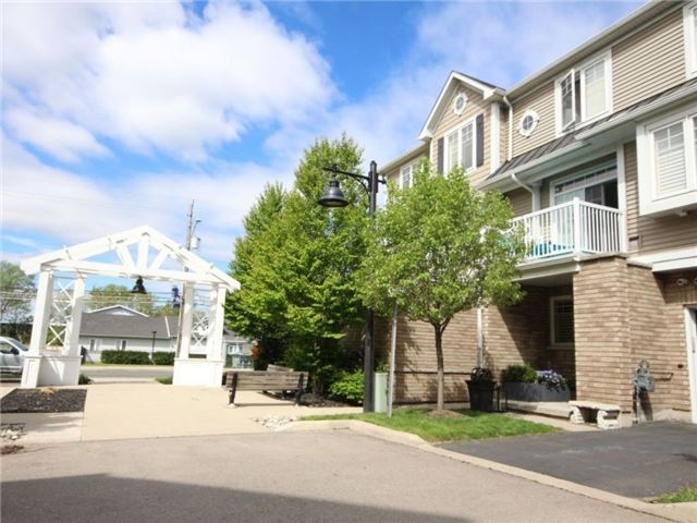Condo Townhouse at 337 Beach Blvd, Unit 31, Hamilton, Ontario. Image 1