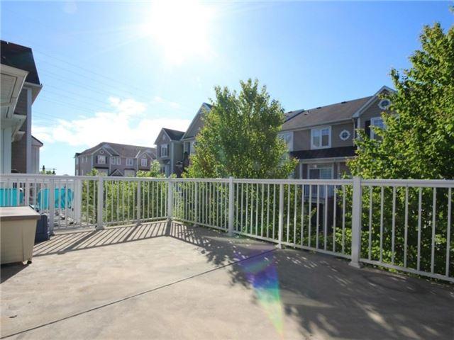 Condo Townhouse at 337 Beach Blvd, Unit 31, Hamilton, Ontario. Image 7