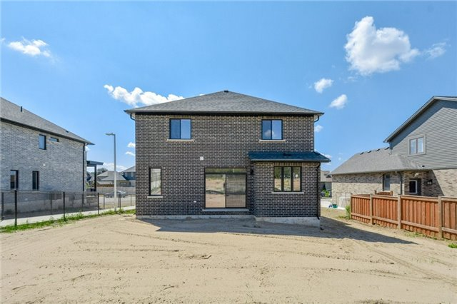Detached at 80 Fieldstone Cres, Unit 10, London, Ontario. Image 5