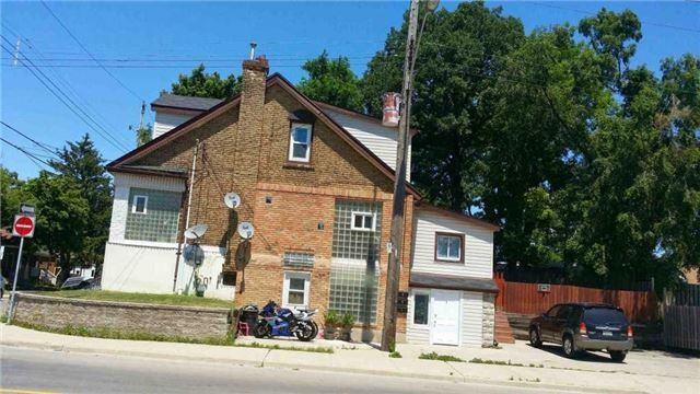 Detached at 67 East 31st St, Hamilton, Ontario. Image 2