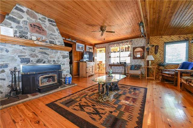 Detached at 194 Lake Temagami Island W, Unit 856, Temagami, Ontario. Image 7