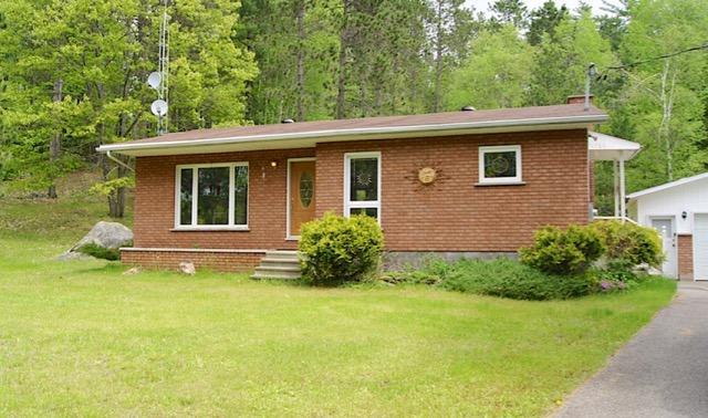 Detached at 3154 Old Barry's Bay Rd, Madawaska Valley, Ontario. Image 1