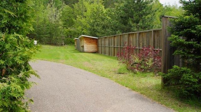 Detached at 3154 Old Barry's Bay Rd, Madawaska Valley, Ontario. Image 6