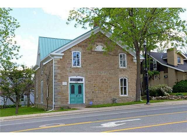 Detached at 298 Dundas St E, Hamilton, Ontario. Image 12
