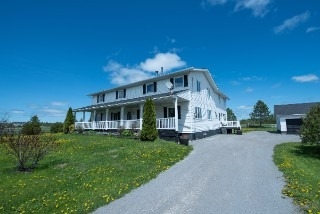Detached at 322 Killarney Bay Rd, Kawartha Lakes, Ontario. Image 14
