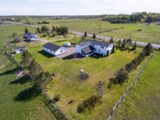 Detached at 322 Killarney Bay Rd, Kawartha Lakes, Ontario. Image 15