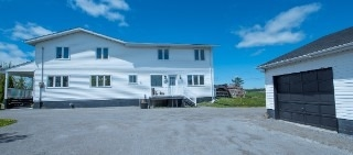 Detached at 322 Killarney Bay Rd, Kawartha Lakes, Ontario. Image 16